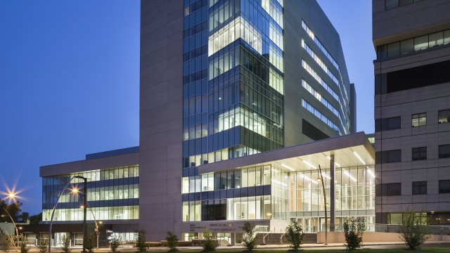 Jodoin Lamarre Pratte architectes - Critical Care Pavilion at the Jewish General Hospital