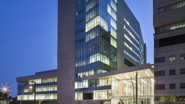 Jodoin Lamarre Pratte architectes - Critical Care Pavilion (K) at the Jewish General Hospital